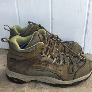 Vasque woman's hiking boots